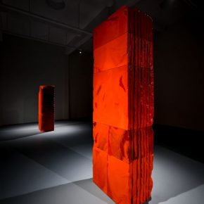"""03 Exhibition View of Mirror Effect 290x290 - Visiting an Exhibition on Broken Glass: Liu Jianhua's """"Mirror Effect"""" opens up a new experience for visitors"""
