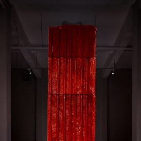 """04 Exhibition View of Mirror Effect 290x290 - Visiting an Exhibition on Broken Glass: Liu Jianhua's """"Mirror Effect"""" opens up a new experience for visitors"""