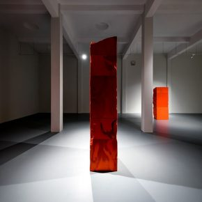 """05 Exhibition View of Mirror Effect 290x290 - Visiting an Exhibition on Broken Glass: Liu Jianhua's """"Mirror Effect"""" opens up a new experience for visitors"""