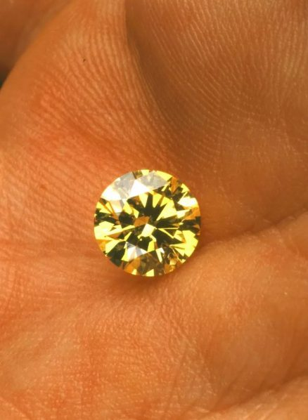 Marc Quinn At Last Im Perfect 2002 1.2 carat yellow diamond made with carbon from the artists body 438x598 - CAFA Art Museum presents Marc Quinn's first solo museum show in China