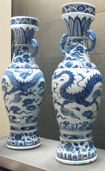 01 The David Vases 367x598 - Nature in Wonderful Design ( Tian Wu Wen Xin ): Touching the traditions and contemporary expression of the blue and white porcelain culture