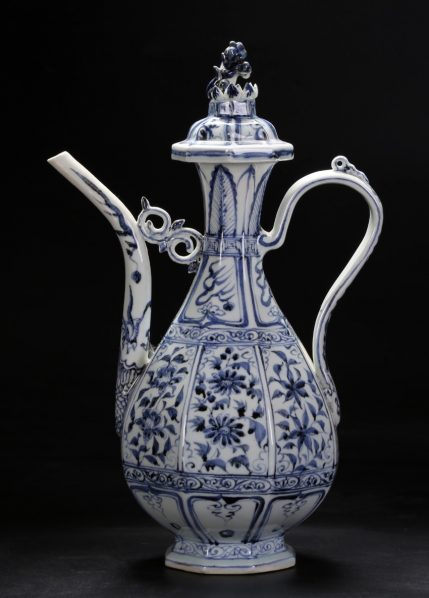 02 Ke Qin Tang Production Blue and White Porcelain Work 429x598 - Nature in Wonderful Design ( Tian Wu Wen Xin ): Touching the traditions and contemporary expression of the blue and white porcelain culture