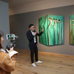"Shi Chengdong introduced his ""Spacial Metaphor of Wander"" to audiences"