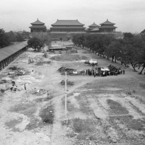 9.In 1982, the Palace Museum carried out an ancient construction maintenance project in Beijing. 34.2×55.9cm