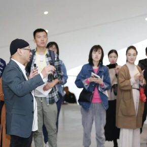 Curator Feng Boyi introduced the exhibition to journalists and audiences