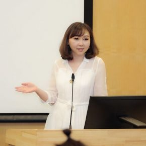 Professor Shao Yiyang, Vice Dean of the School of Humanities at CAFA, hosted the event.